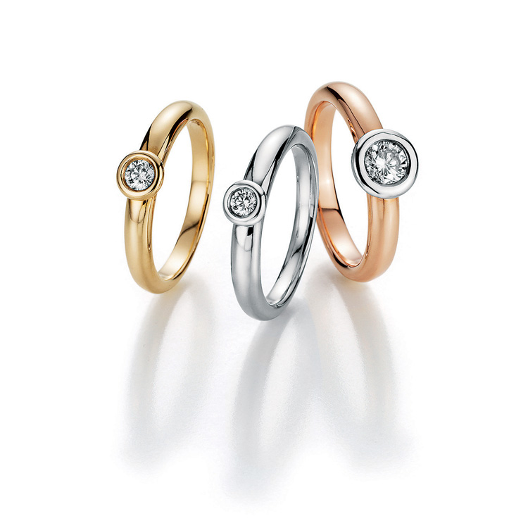 engagements rings with Diamonds in yellowgold, whitegold, redgold